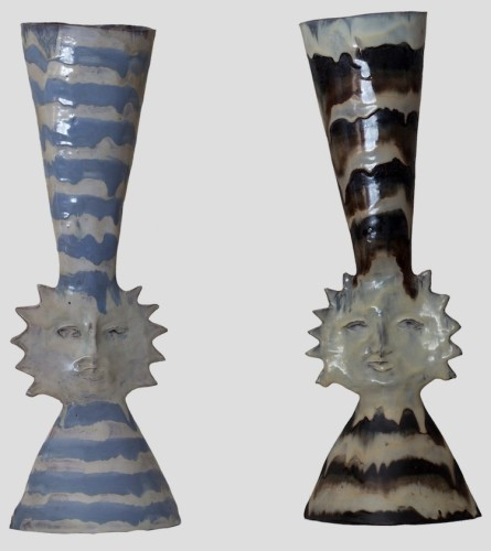 Fausto Melotti, Vaso Sole, 1950 circa, ceramica smaltata policroma, 27x17x13 cm e Vaso Sole, 1950 circa, ceramica smaltata policroma, 27x17x13 cm