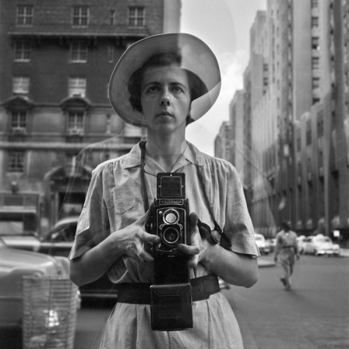 Vivian Maier, Self-Portrait, Undated, 40x50 cm © Vivian Maier / Maloof Collection, Courtesy Howard Greenberg Gallery, New York