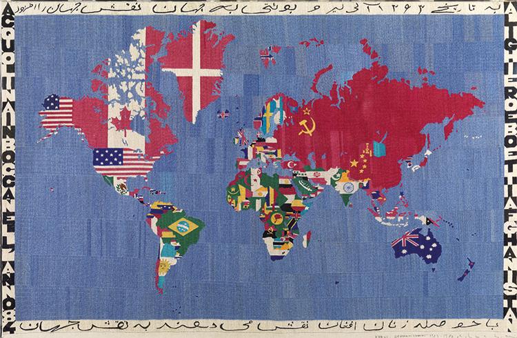 Alighiero Boetti, Mappa (acquolina in bocca nell'anno 84 Alighiero e Boetti Afghanistan), 1983-84, ricamo su tela, cm 116x178. Courtesy: Tornabuoni Art, Londra