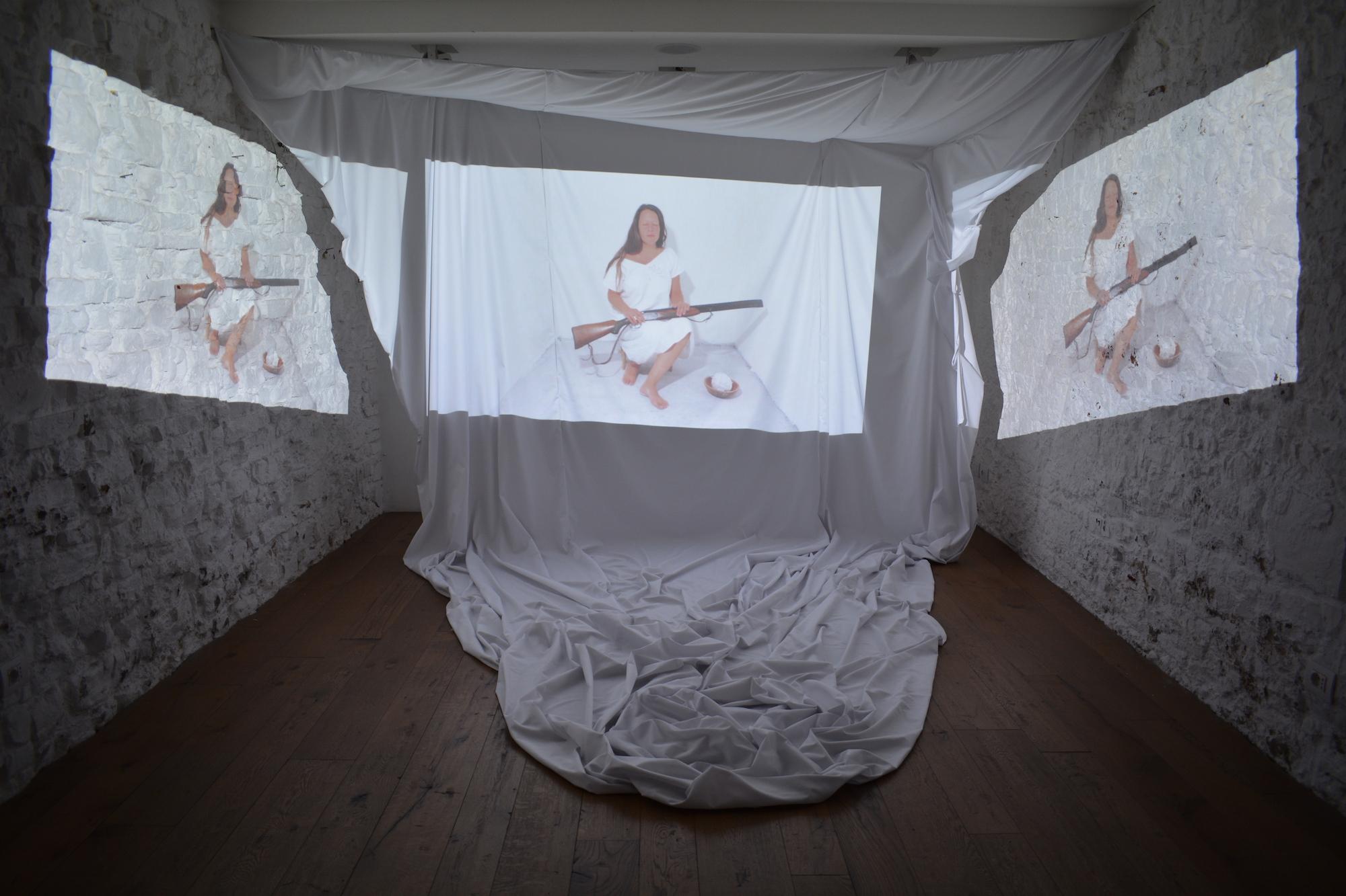 Noel Gazzano e Grace Zanotto, Human Carillon, videoinstallazione, 2016, presso Studio Bong, Firenze, Courtesy Noel Gazzano
