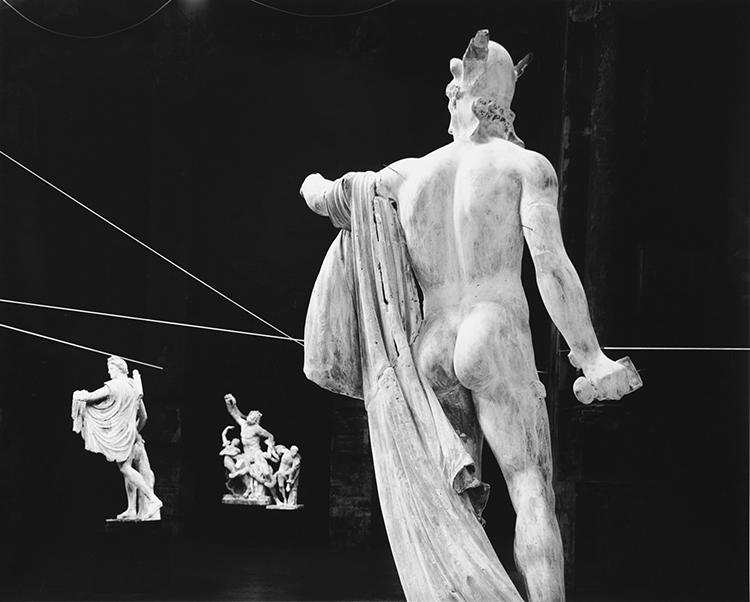 © Mario Cresci, Opus Gypsicum, dalla serie In scena, Bergamo 1996, 12 stampe, stampa ai sali d'argento, cm 38,5 x 48,5 cad.