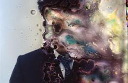 Seung Hwan Oh, Untitled, 2013, Fotografia con innesti di colture batteriche, cm 150x150. Courtesy CreArte studio