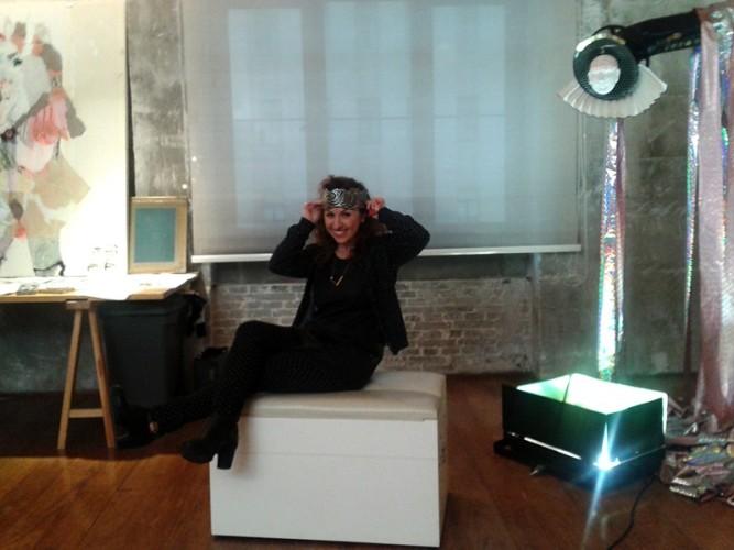 Elena Monzo nello studio a Beirut
