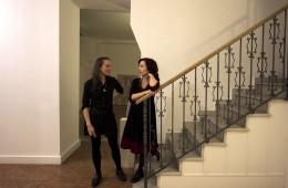 Cristina Gilda Artese e l'assistente Annalisa Bergo in galleria