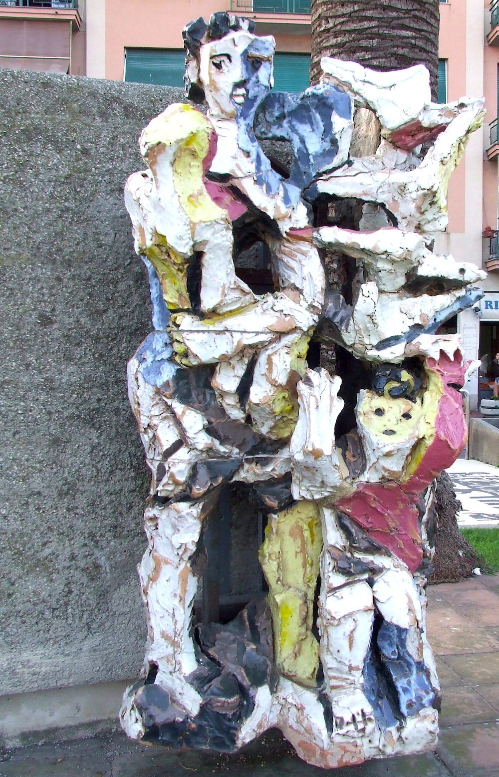 Leoncillo, Monumento ai caduti di tutte le guerre (part. Superstiti), 1957. Lungomare di Albissola Marina
