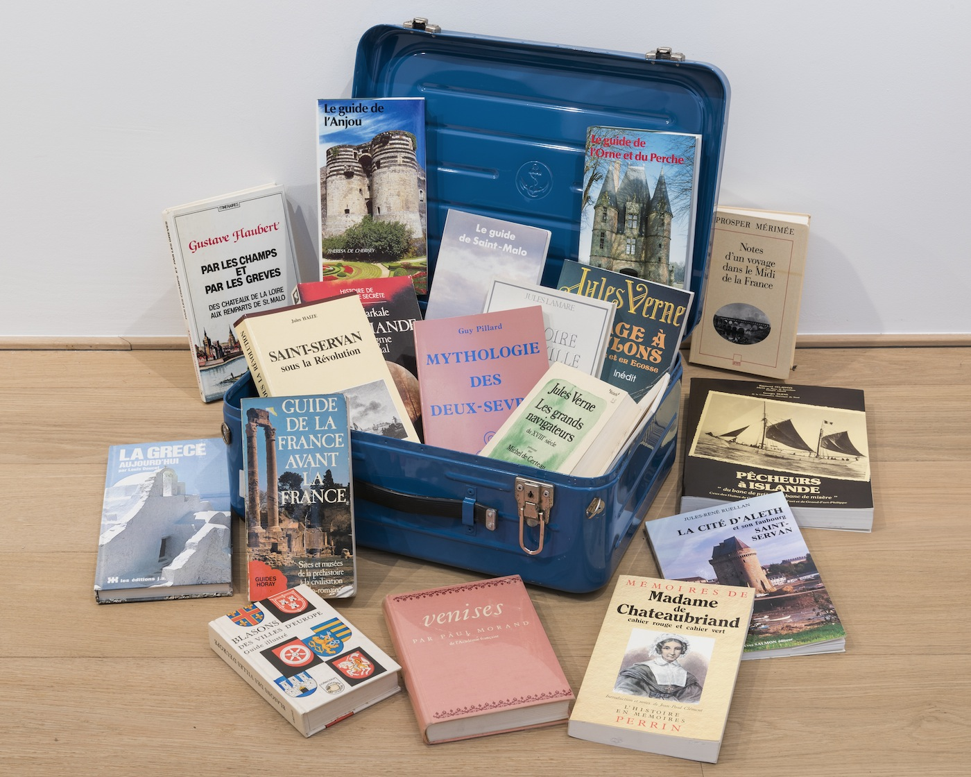 Raymond Hains, Valises documentaires, Archives of the Artist. Foto: Thomas Hains