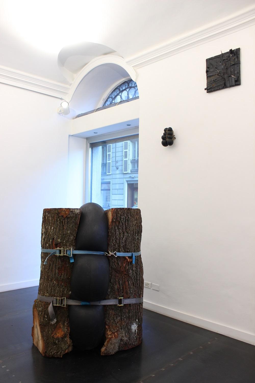 """Noa Pane, Compression 3, 2016. """"Eccentric Spaces"""", veduta della mostra, Riccardo Costantini Contemporary, Torino"""