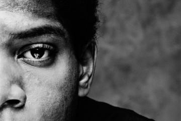 Jean-Michel Basquiat, particolare della Cover del volume Basquiat. La regalità, l'eroismo e la strada, di Michel Nuridsany, Johan & Levi editore, 2016