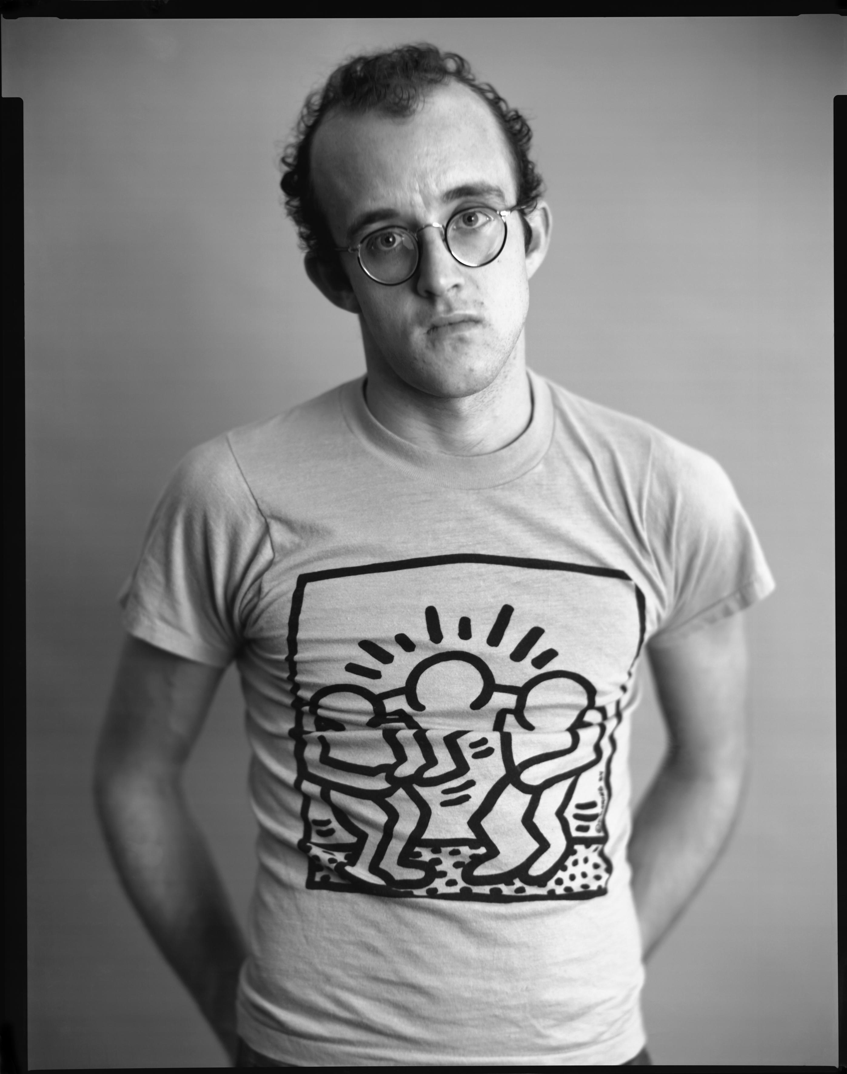 Keith Haring in un ritratto di Timothy Greenfield Sanders 1986 stampa a contatto 28x36 cm