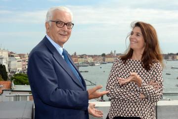 Paolo Baratta e Christine Macel. Foto: Andrea Avezzù. Courtesy La Biennale di Venezia