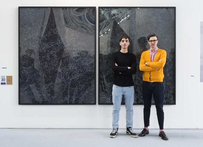 The Cool Couple (Simone Santilli e Niccolò Benetton) davanti alla loro opera, Premio Gruppo Euromobil Under 30, Bologna (premiazione)