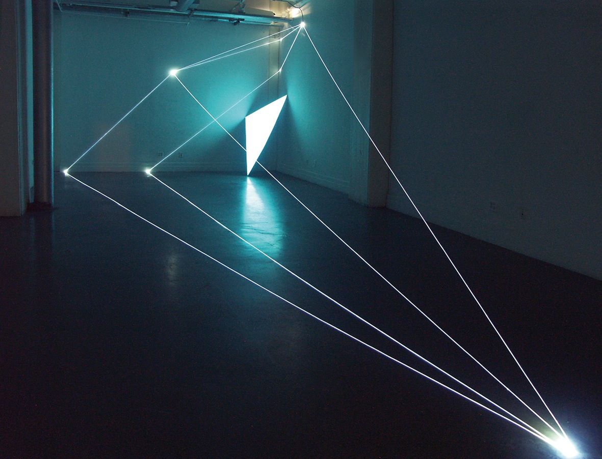 Carlo-Bernardini-Spazio-Permeabile-2009-Installazione-in-fibre-ottiche-e-superficie-elettroluminescente-mt-h-360-x-10-x-75-2003-09.-The-13Th-D.U.M.B.O.-New-York