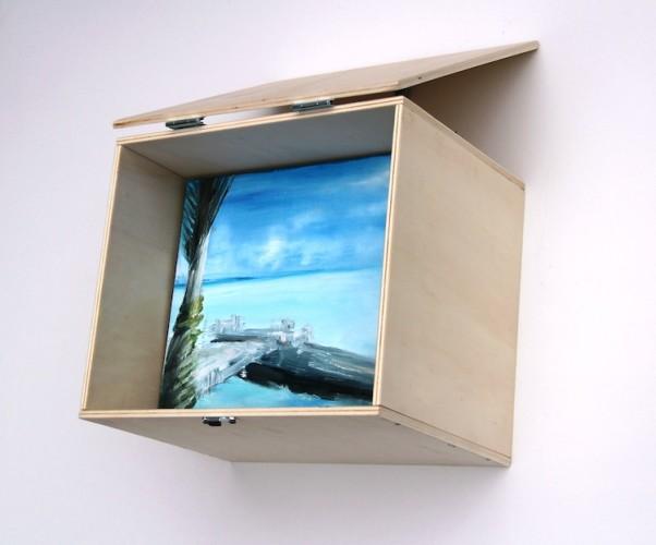 Isabella Pers, Present Mike, 2017, istallazione, 24x28x33 cm