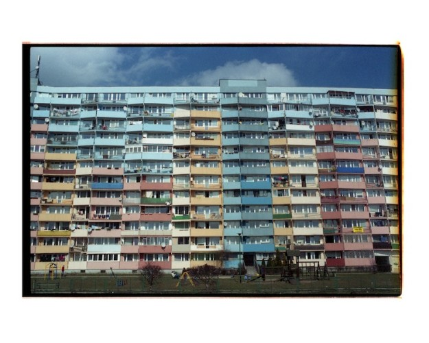"""Leandro Feal, Dalla serie """"Eastern Gdansk 2013-2015"""", fotografia analogica a colori"""