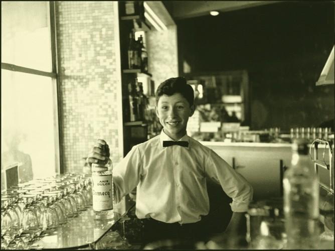 Mario Dondero, Il cameriere spagnolo, 1978