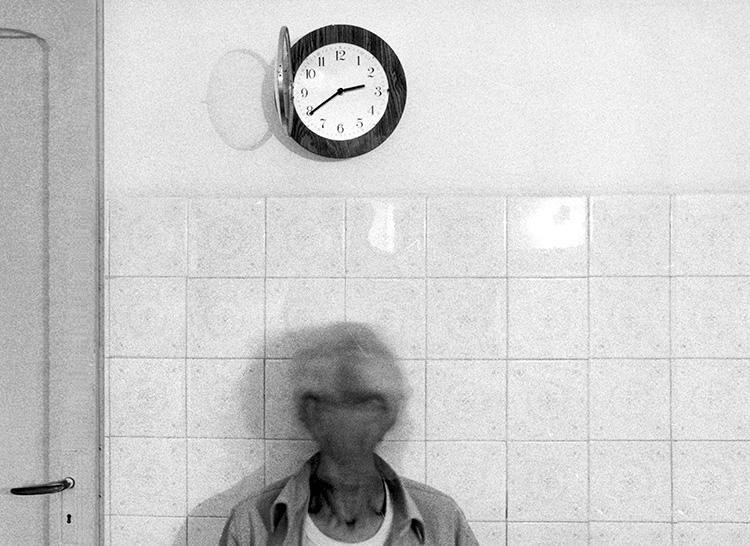 Mario Cresci, dalla serie Interni mossi, Tricarico 1966