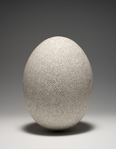 Jiří Kolář, Uovo, 1976, chiasmage su oggetto, 30x23 cm