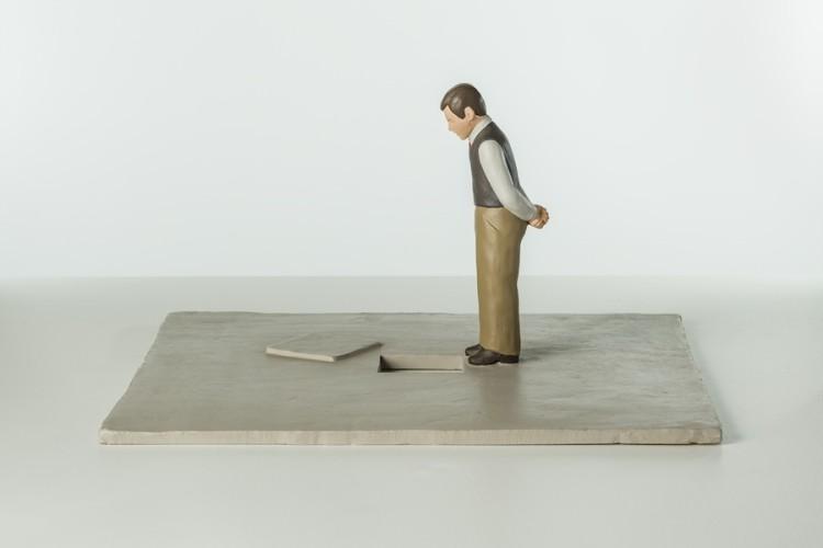 Nando Crippa, Tombino, 2006, terracotta dipinta, 28x48.5x53 cm Collezione privata Foto © Stefano Pensotti