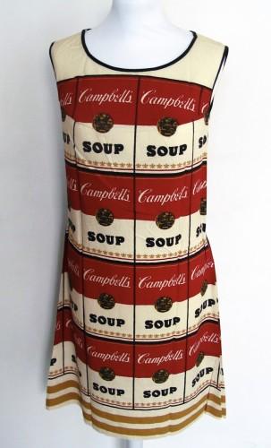 Andy Warhol, Campbell's Soup Dress, 1968, stampa su cotone e cellulosa, altezza 95 cm, Collezione Fondazione Rosini-Gutman