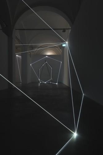 Carlo Bernardini, Oltrelimite, 2017, fibra ottica. Carlo Bernardini, Oltrelimite, 2017, fibra ottica. Foto Roberto Marossi