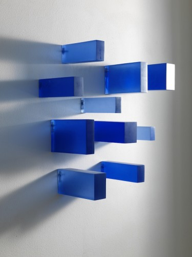 Herbert Hamak, Ultramarine Blau Dunkel, 2003-2011, resina e pigmenti, dimensioni variabili Courtesy Studio la Città, Verona