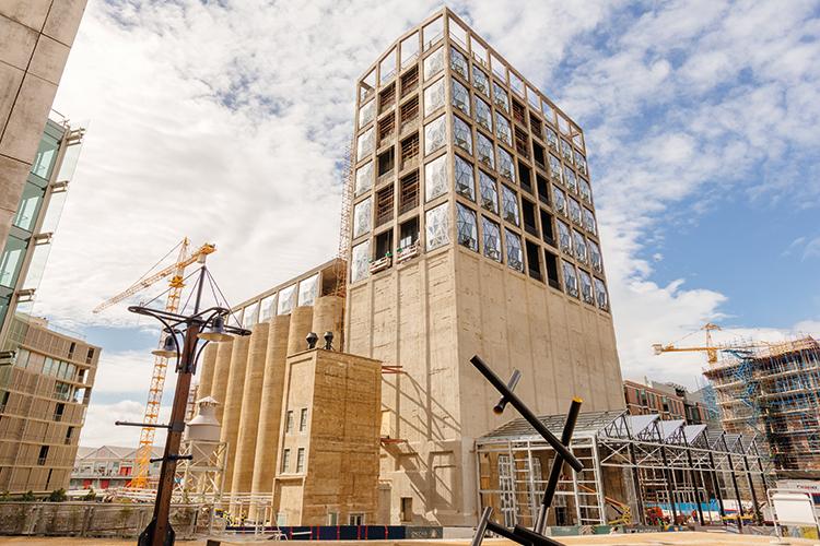 Zeitz MOCAA in costruzione, settembre 2016. Foto: Navigator Films