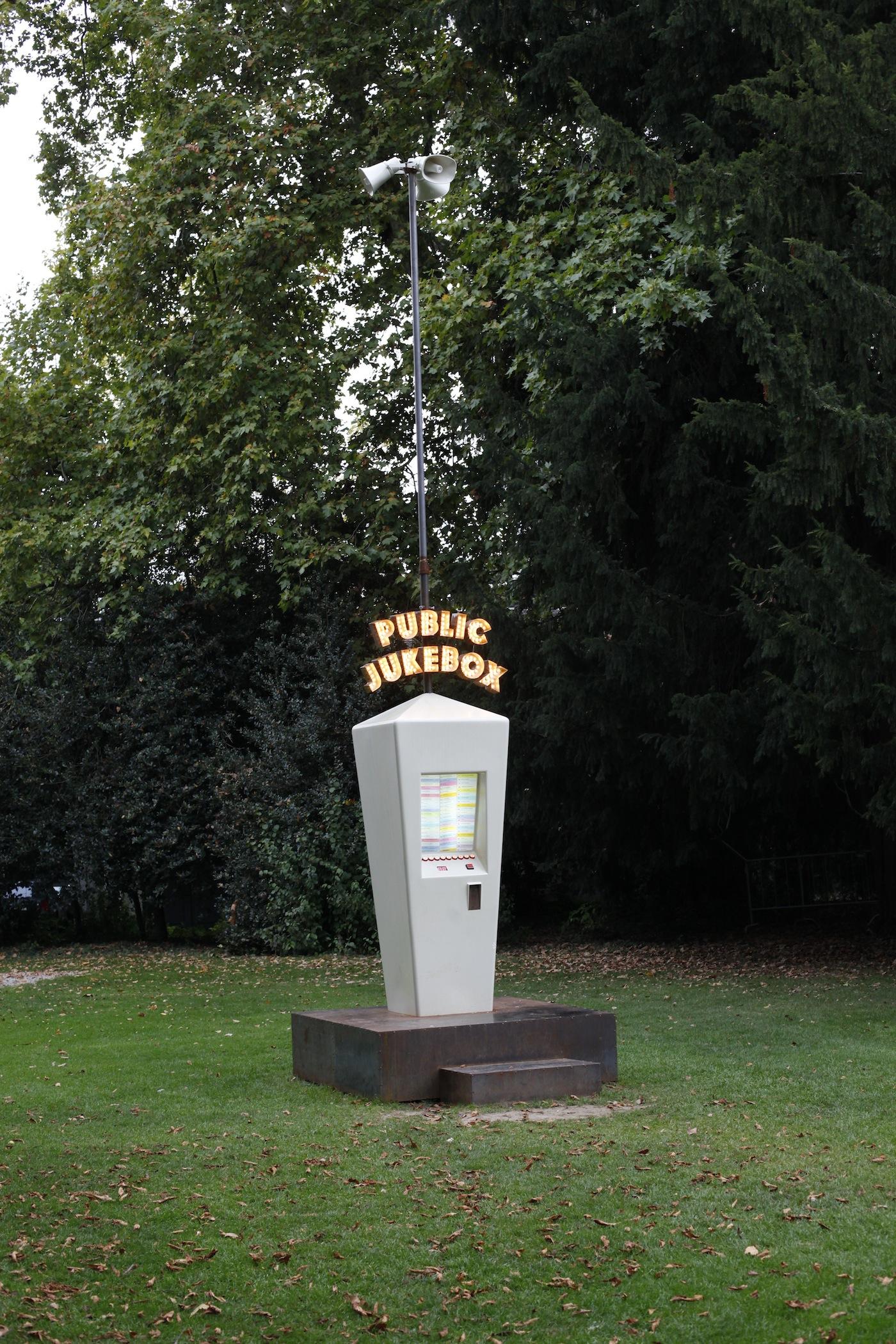 Krištof Kintera  Public Jukebox 2011/2017 progetto pubblico elettro-acustico