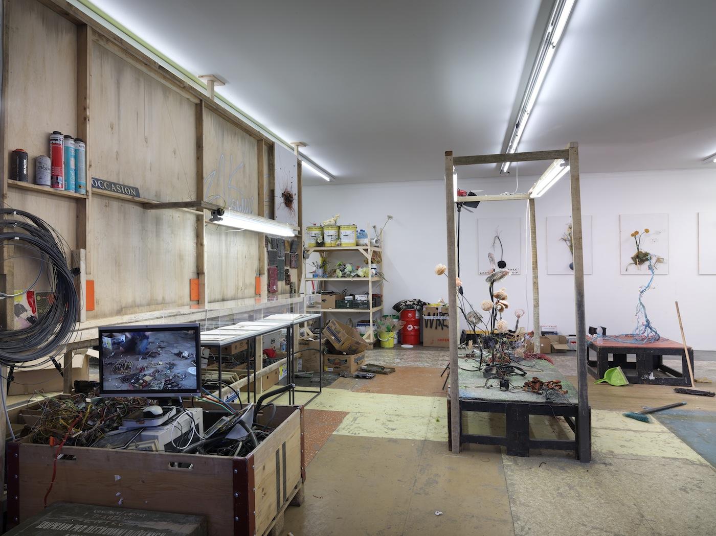 Krištof Kintera Laboratorio dell'artista / Artist's Laboratory, 2017 Collezione Maramotti, veduta di mostra / Collezione Maramotti, exhibition view. Foto: Dario Lasagni