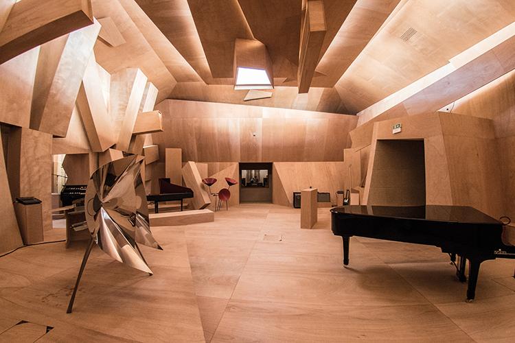 Xavier Veilhan, Studio Venezia (2017), installation view, French Pavilion, Biennale di Venezia. Foto: © Giacomo Cosua. © Veilhan / ADAGP, Paris, 2017