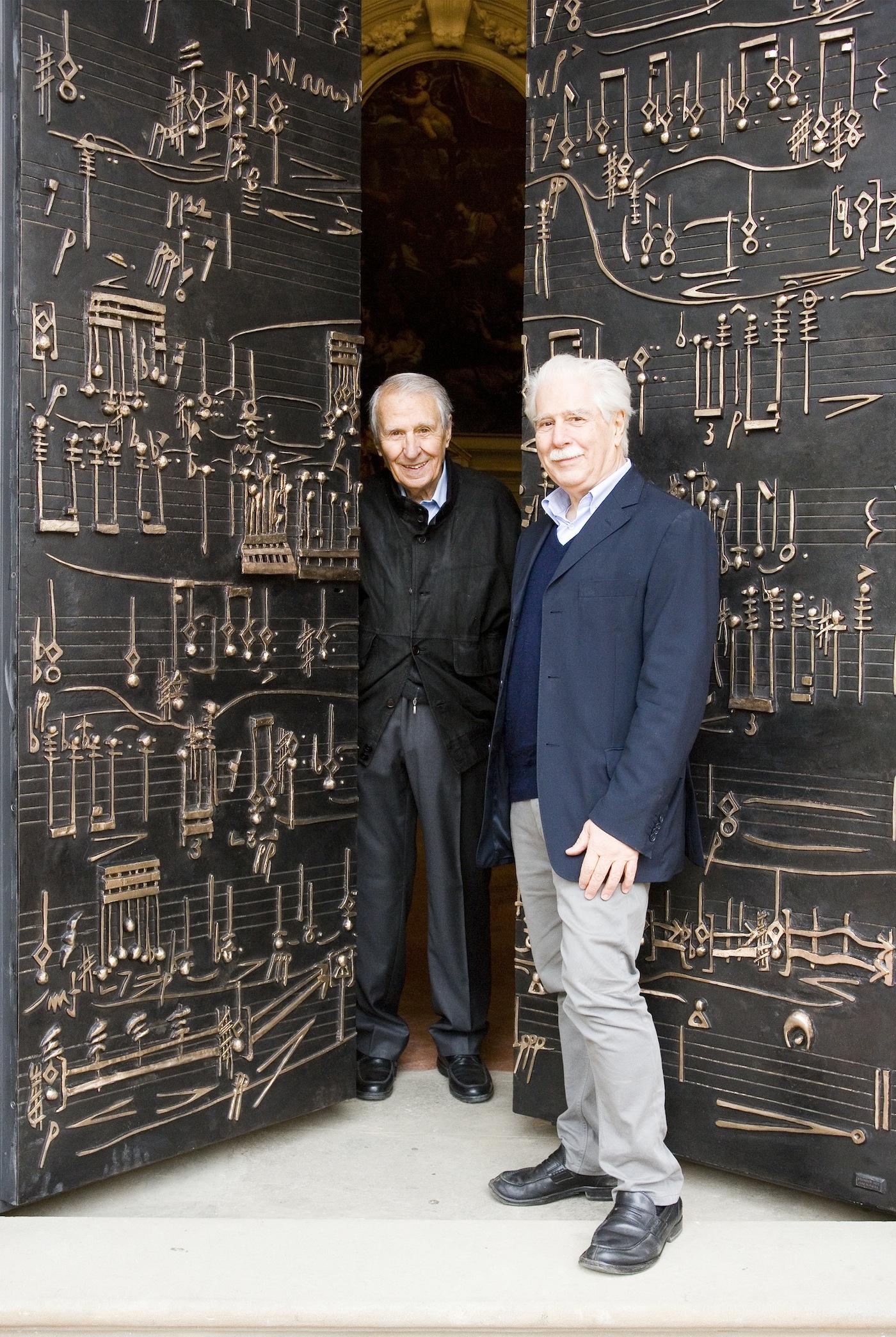 Fattoria di celle, Porta Sonora, nella foto Giuliano Gori e l'artista Daniele Lombardi © Fattoria di Celle - Collezione Gori