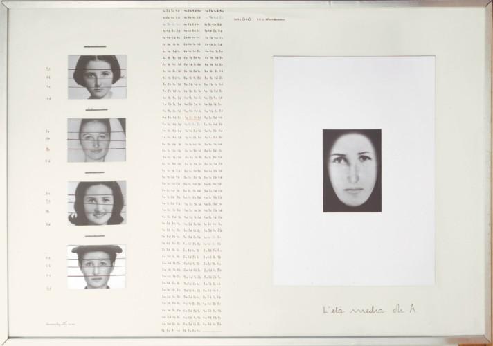 Vincenzo Agnetti, L'età media di A, fotografie e scrittura a china, 99x145 cm Courtesy Osart Gallery, Milano Foto di Bruno Bani