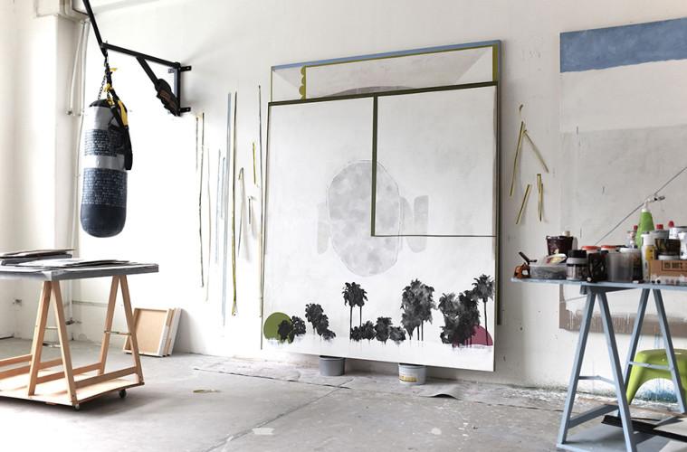 Luca Coser - La parola fine - 2016 - acrilico su lino grezzo - cm 190x180 + studio dell'artista a Trento