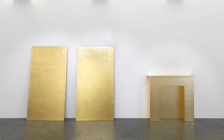 Jean Vercruysse, Atopies XIX, 1986, legno e oro, 200x360 cm, Museo d'arte della Svizzera italiana, Lugano. Collezione Cantone Ticino. Donazione Panza di Biumo