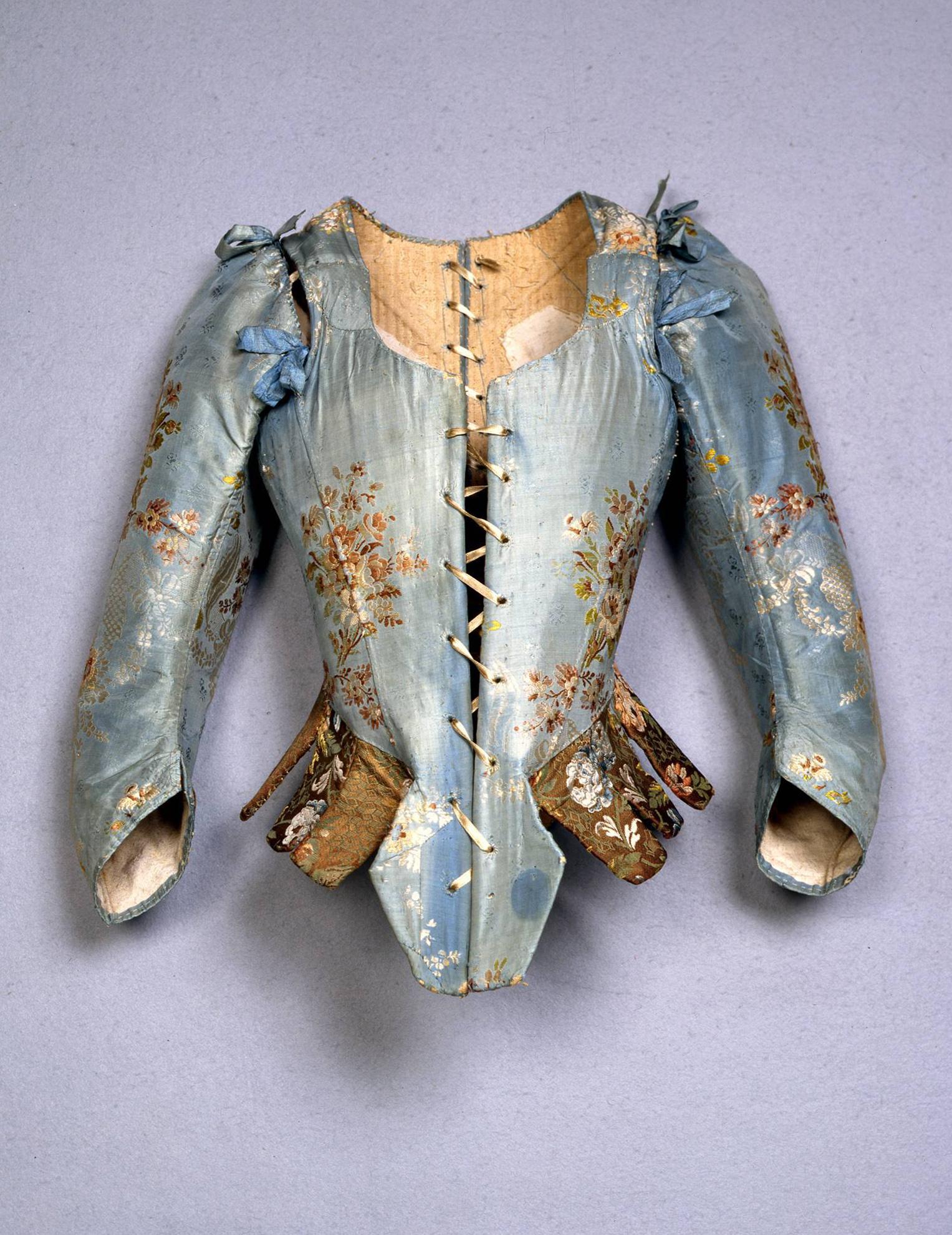 Corpetto femminile, Italia, sec. XVIII, terzo quarto, Gros de Tours liseré, broccato in seta. Firenze, Museo Stibbert