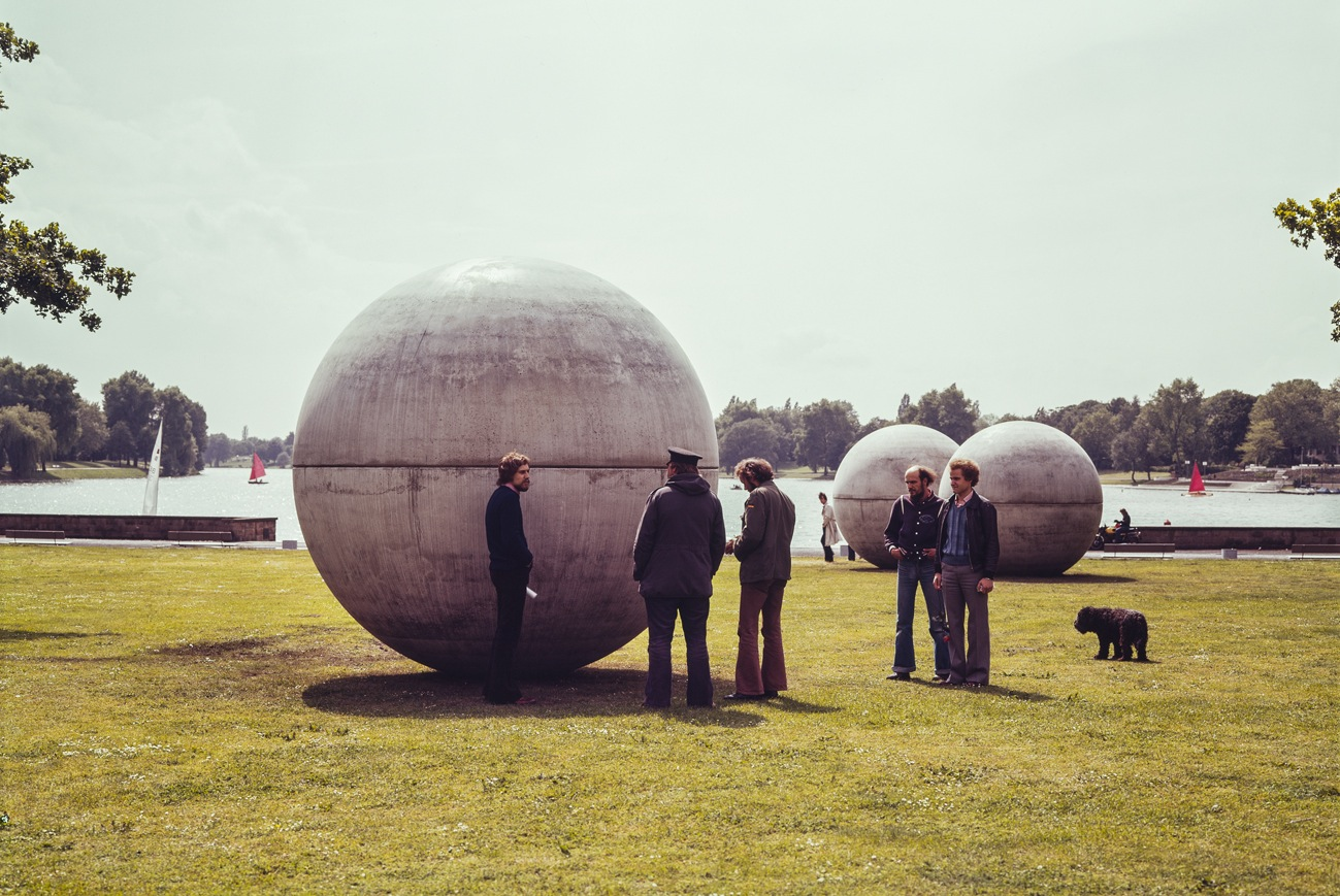 Claes Oldenburg, Giant Pool Balls, 1977, Skulptur Projekte in Münster 1977, Foto: LWL-MKuK/Rudolf Wakonigg