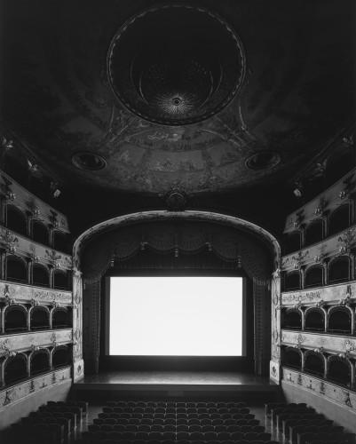 Hiroshi Sugimoto, Teatro Comunale di Ferrara, 2015 (screen side)