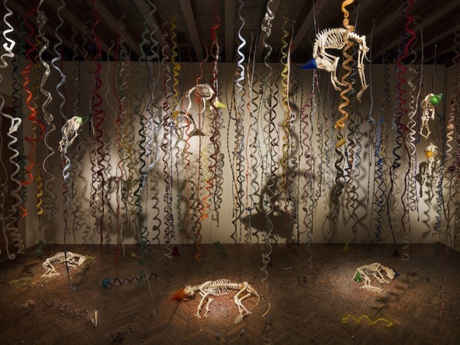Jan Fabre, The Catacombs of the Dead Street Dogs, 2009-2017, Murano glass, skeletons of dogs, stainless steel, variable dimensions Photographer Pat Verbruggen Copyright Angelos bvba