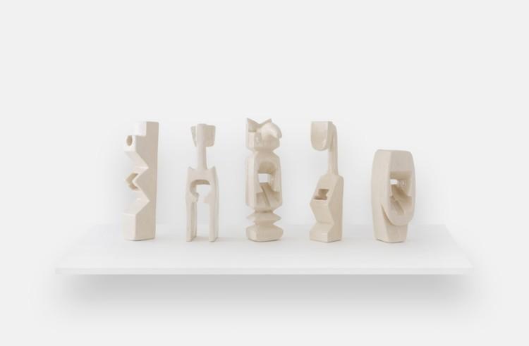 Marco Maria Zanin, Sintomo XII – V – XII – XIV e XV, 2017, ceramica, dimensioni variabili