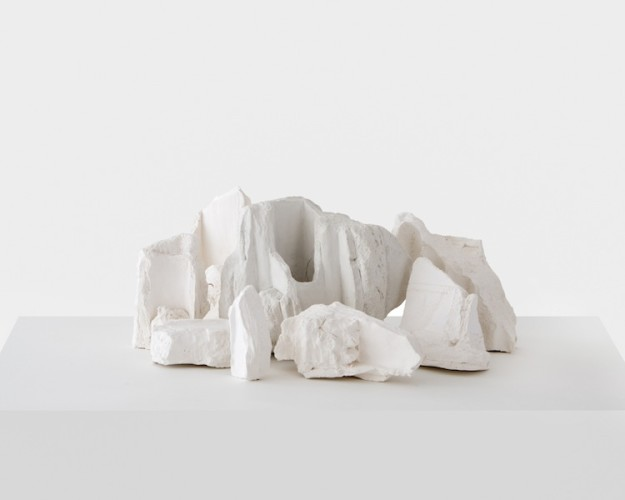 Marco Maria Zanin, Restituzione, 2017, ceramica, 30x40x15 cm