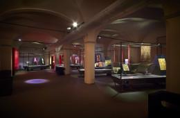 Il Capriccio e la Ragione. Eleganze del Settecento europeo, Museo del Tessuto di Prato. Sala dei tessuti antichi