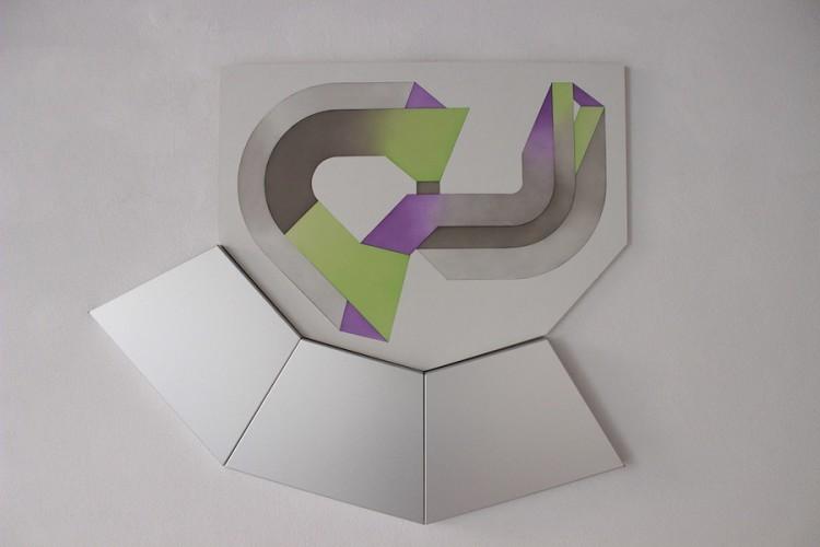 Monica Mazzone, Piano unico, 2017, olio su tavola e alluminio, 107x92x3 cm Courtesy Villa Contemporanea, Monza