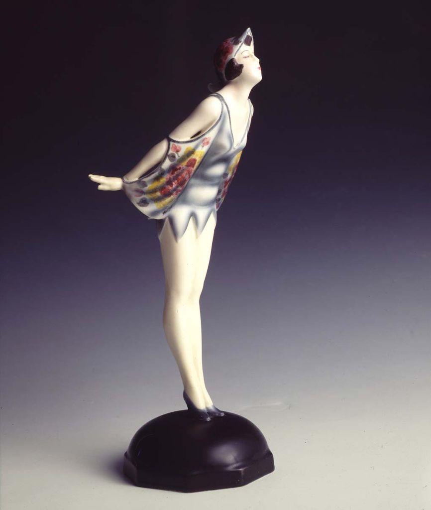 Stephan Dakon, Manifattura Goldscheider, Vienna, Austria, Ballerina sulle punte, 1928 ca., h cm 30 x 13 x 10.5, terraglia dipinta,Collezione privata