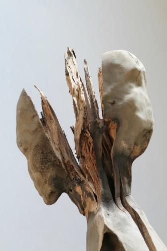 Nicola Samorì, Diapason, 2016-2017, legno di noce, 250x45x42 cm (dettaglio) Courtesy l'artista e Monitor, Roma