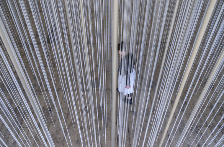 LOST HORIZON II 2017 Corde TBC-bungee | TBC-bungee cord dimensioni site specific | site specific dimensions © the artist Courtesy GALLERIA CONTINUA, San Gimignano / Beijing / Les Moulins / Habana Photo by Ela Bialkowska