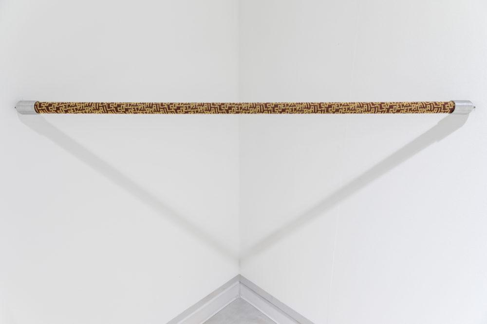 Aldo Grazzi, Singolare e Plurale, Hurdles-in-glass-beads