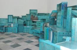 """Veduta installazione """"EntroMare"""" mostra di ceramica collettiva a cura di Gabriele Resmini, Museo Perrando, Sassello"""
