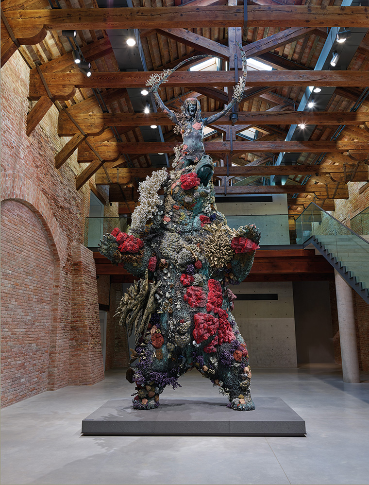 Damien Hirst, The Warrior and the Bear, Palazzo della Dogana. Photographed by Prudence Cuming Associates © Damien Hirst and Science Ltd.  All rights reserved, DACS 2017