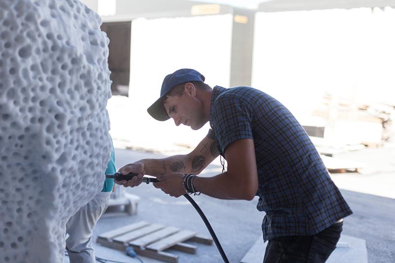 Massimiliano Pelletti al lavoro. Foto: Nicola Gnesi. Courtesy: Fondazione Henraux