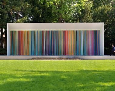 Ian Davenport, Giardini Colourfall, 2017, acrylic on aluminum panels, wall: m 3.8x14, floor: m 1x14. © Swatch