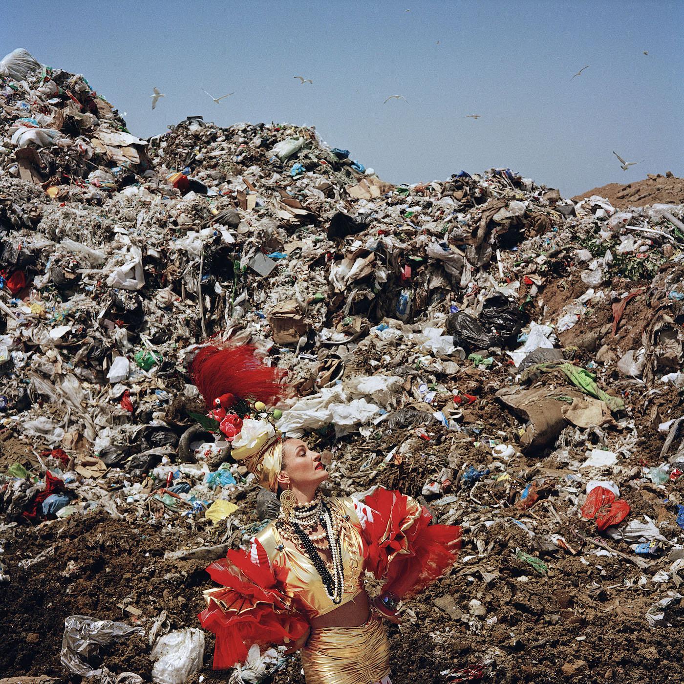 Goldschmied & Chiari, Dump Queen, 2008,  video. Mythologies, Palazzo Palmieri, Monopoli.